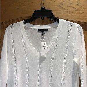 Lightweight knit v neck top